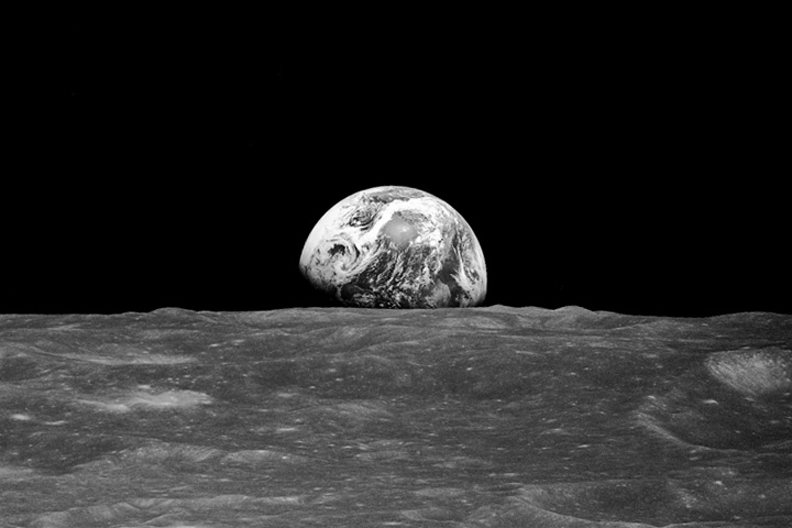 Earthrise_apollo8_19681224